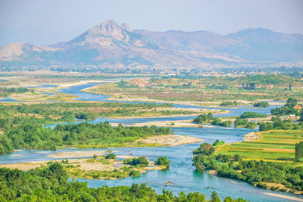 Meandres of river Drin in Shkodra, AL © Foto-Migawki MD_Shutterstock.com.jpg